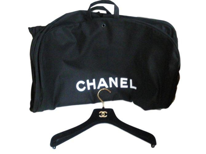 cac8f509e488de Chanel Travel bag Travel bag Cloth Black ref.73648 - Joli Closet