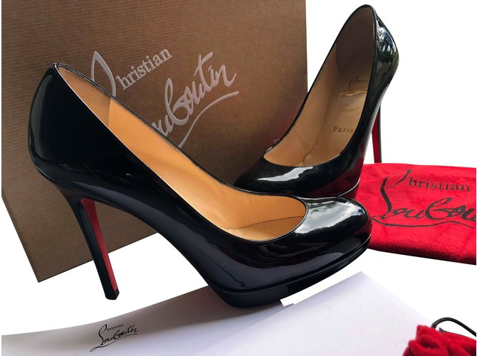 9edd06cc37 Christian Louboutin New Simple Pump Heels Patent leather Black ref.73683