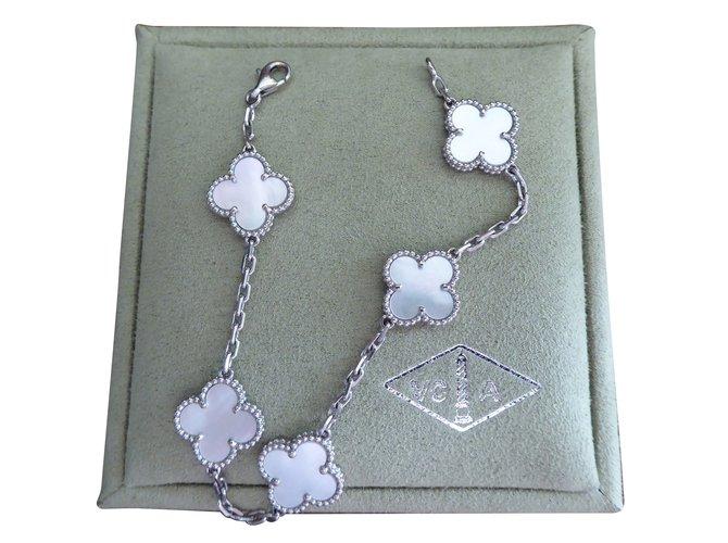 Bracelets Van Cleef & Arpels Bracelet Or blanc Argenté ref.74227