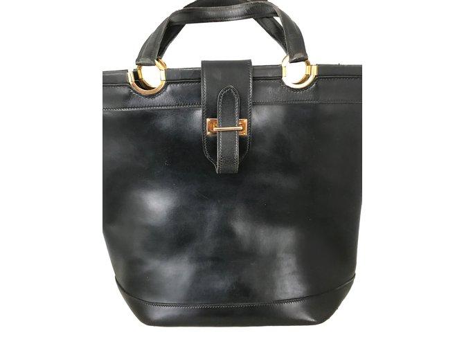 Hermès Berry Handbags Leather Black ref.74540