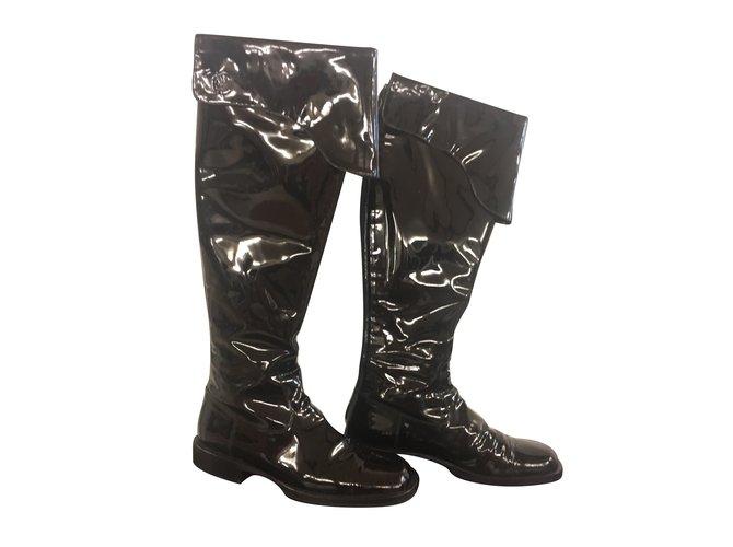 deb869458 Chanel boots Boots Patent leather Black ref.74722 - Joli Closet
