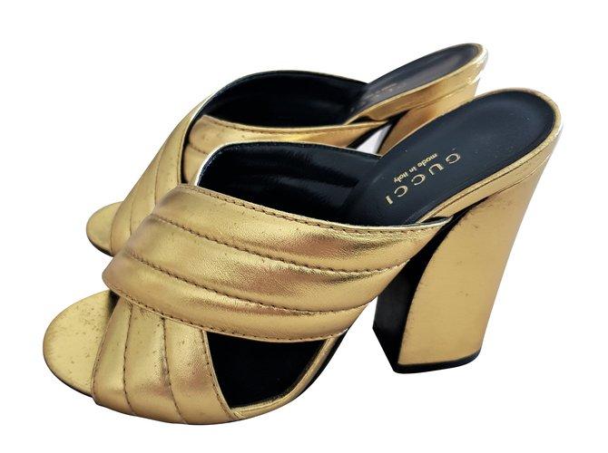 f53bee6398c5 Gucci Mules Sandals Heels Leather Golden ref.74756 - Joli Closet
