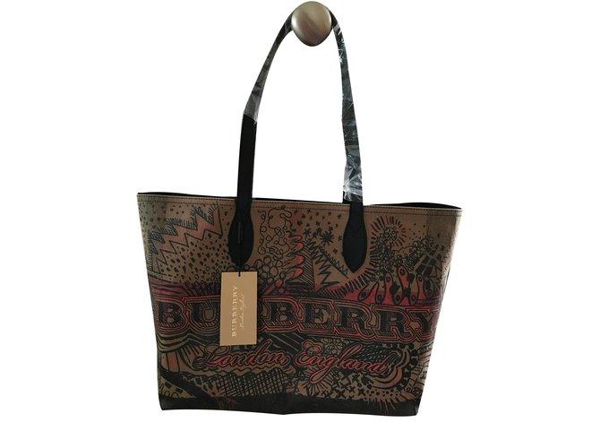 Burberry Reversible Canvas Tote Handbag Handbags Other Dark brown ref.74989 d4b5883ceadb4