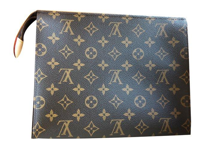 e760a59edd81 Louis Vuitton Toiletry Pouch 26 Clutch bags Leather