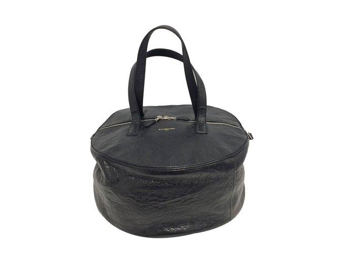 163154bc701a Balenciaga Air Hobo Handbags Patent leather Black ref.75255 - Joli ...