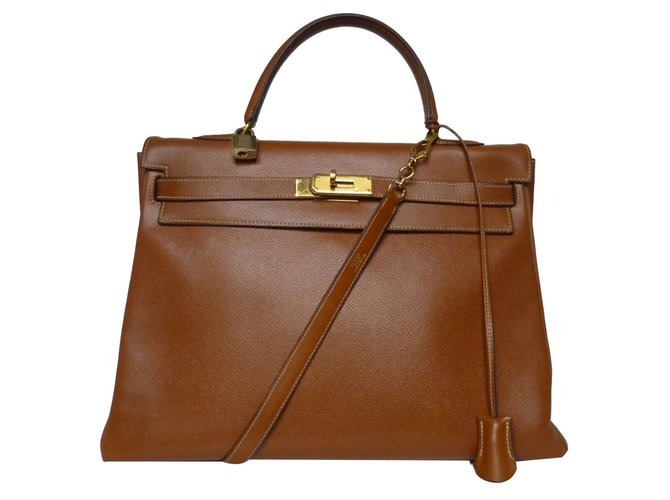 e1d435b62a1 Hermès Kelly 35 Handbags Leather Golden ref.75312 - Joli Closet
