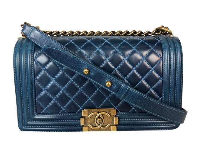bc63bc452021 Chanel Boy Handbags Leather Blue ref.75696 - Joli Closet