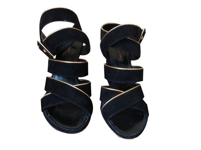 7bec6f938 Louis Vuitton sandals Sandals Deerskin Black ref.75838 - Joli Closet