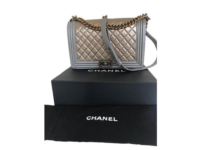 Sacs à main Chanel Boy Medium Cuir d'agneau Métallisé ref.76479