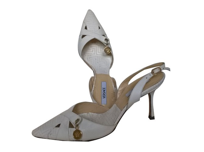a913dab432a Gianni Versace Heels Heels Leather White ref.76507 - Joli Closet
