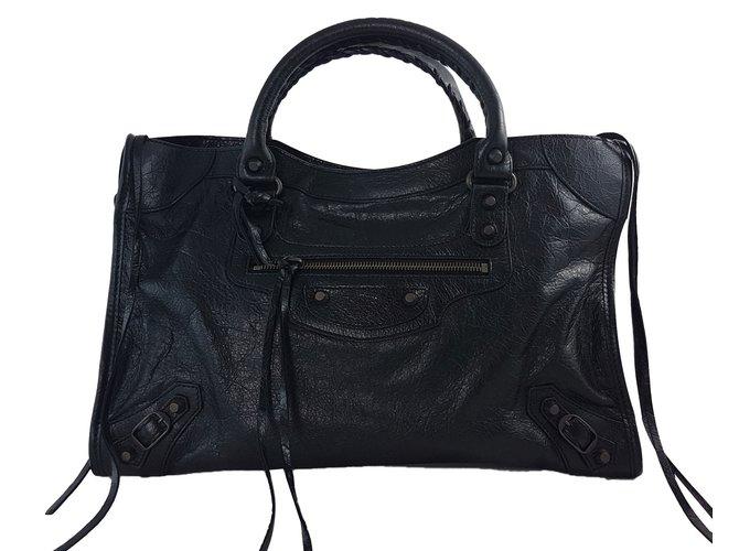 fde4828e1d Sacs à main Balenciaga City Classic Black Medium Cuir Noir ref.76517 ...