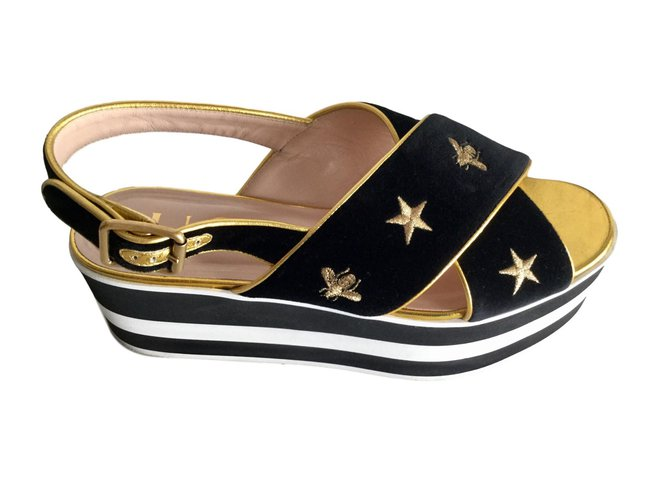 a841d22a240 Gucci sandals Sandals Leather Black ref.76551 - Joli Closet