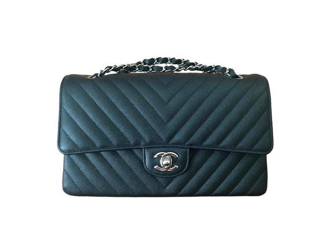 Sacs à main Chanel Timeless Cuir Noir ref.76627