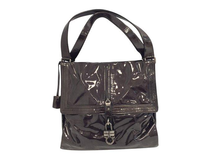 Salvatore Ferragamo Handbags Handbags Patent leather Dark grey ref.76825 5c3561d346e02