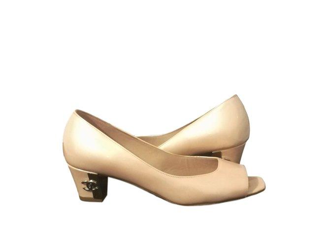 18e9efc67f3e Chanel sandals Sandals Patent leather Pink ref.76920 - Joli Closet
