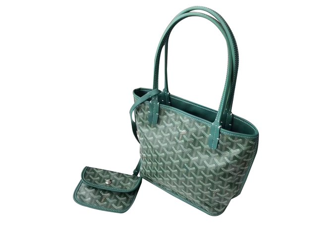 49314cf3da860 Goyard St. Louis Handbags Leather Green ref.76945 - Joli Closet