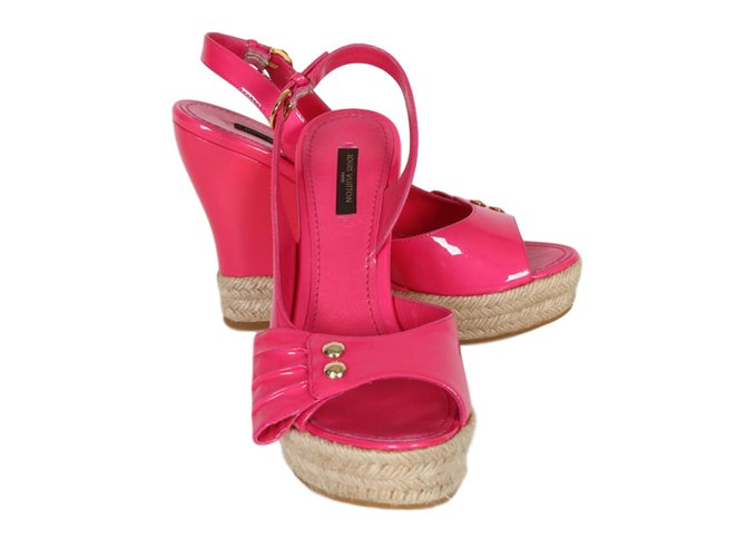 3cdc62baba70 Louis Vuitton sandals Sandals Patent leather Pink ref.76998 - Joli ...