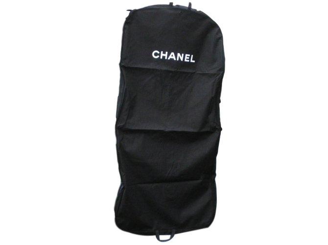 43db5a5a5489b6 Chanel Travel bag Travel bag Cloth Black ref.77452 - Joli Closet