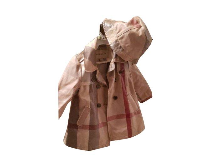 Blousons, manteaux filles Burberry Enfant fille Vernis Beige ref.78120