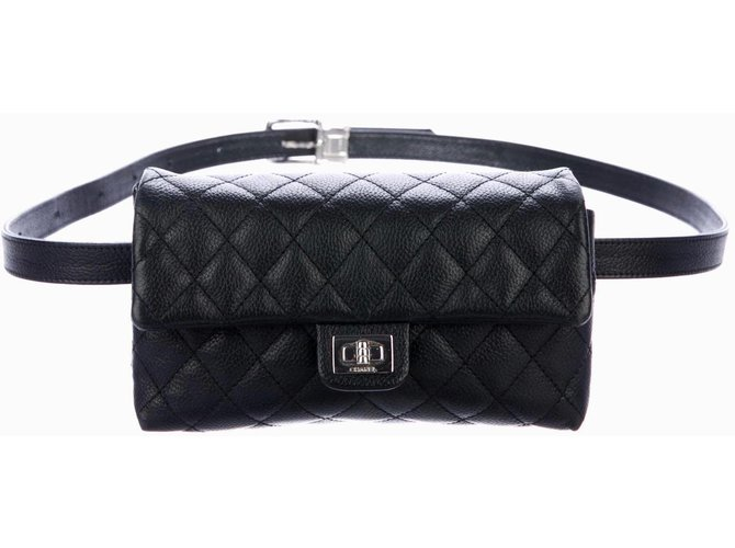 Chanel Waist Belt bag Travel bag Leather Black ref.83083 - Joli Closet a4b3b87ea0bf
