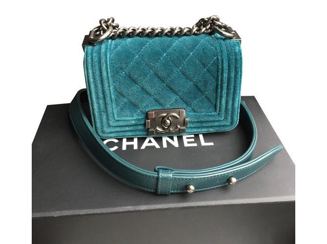 47e0b7d503b4 Chanel velvet boy Handbags Velvet Green ref.79079 - Joli Closet