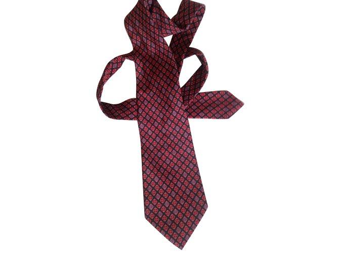 809d7c050959a Yves Saint Laurent ties Ties Silk Red ref.79138 - Joli Closet