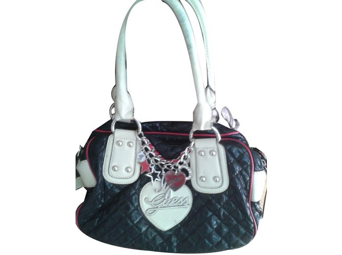 a528d92464 Sacs à main Guess Grand sac Guess Guirly Synthétique Noir ref.79610 ...
