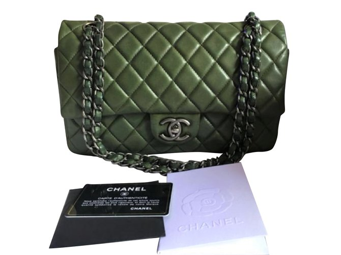 67903c5914fd66 Chanel Chanel Classic Medium flap bag. Handbags Lambskin Green ref.79757