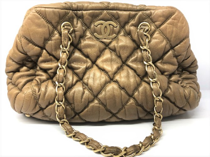 c02079de453b Chanel Gold Lambskin bubble shoulder bag Handbags Lambskin Golden ref.79758
