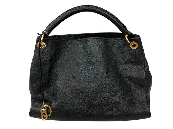 9e3138c3284e Louis Vuitton Handbags Handbags Leather Black ref.79899 - Joli Closet