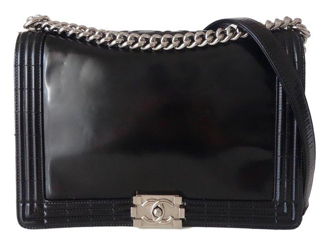 d48395669bb3 Chanel Boy Handbags Patent leather Black ref.79959 - Joli Closet