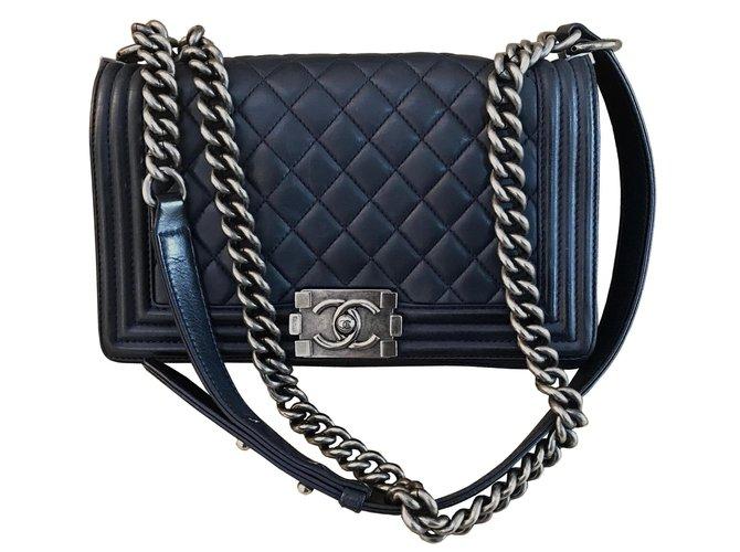2efb3026690 Chanel Boy Medium Navy Blue Handbags Lambskin Navy blue ref.80034 ...