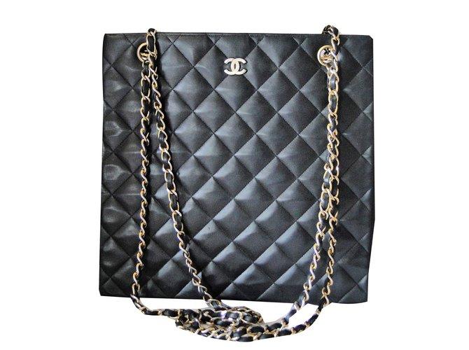 a042eb2582 Sacs à main Chanel sac Chanel Shopping Cabas cuir matelassé Cuir Noir  ref.80269