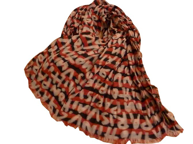 86d93ce4485e4 Louis Vuitton Scarves Scarves Other Other ref.80468 - Joli Closet
