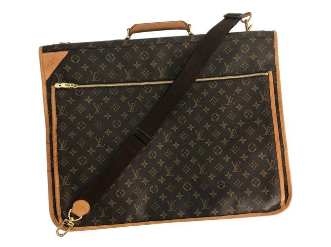 4c0534ac3b Sacs de voyage Louis Vuitton Sac Louis Vuitton XL / sac de voyage / porte-