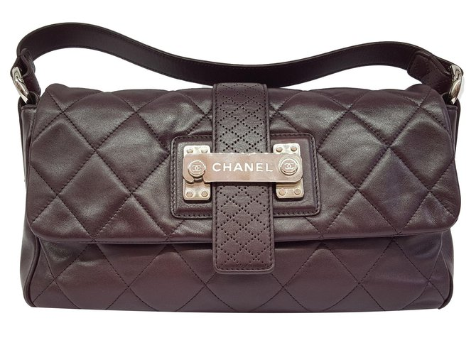 Sacs à main Chanel Sac en cuir matelassé prune Cuir Prune ref.81774