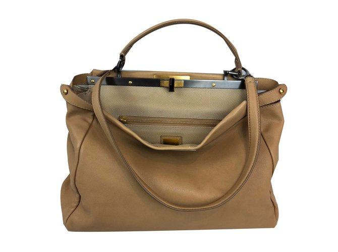 b2ddb6e9e0b7 Fendi Peekaboo Travel bag Leather Beige ref.81820 - Joli Closet