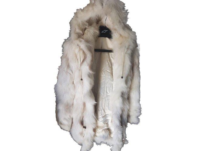 Yves Salomon Coats, Outerwear Coats, Outerwear Fur Beige ref.82425