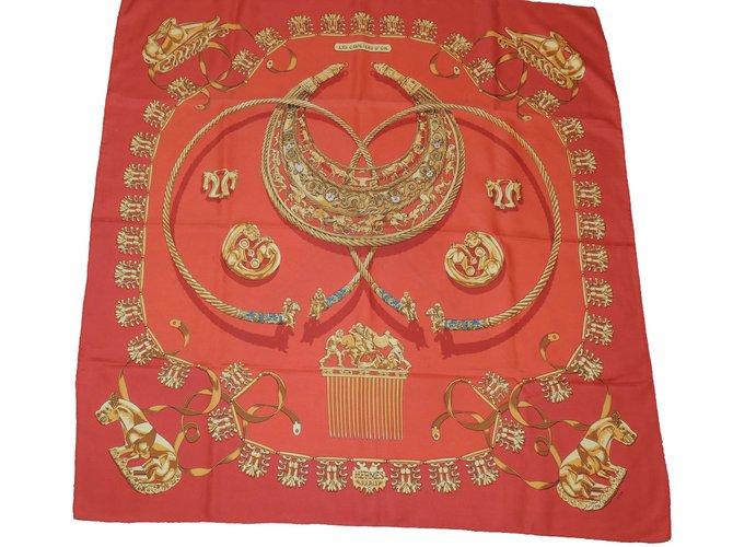 Carrés Hermès Les cavaliers d'or Soie Rouge ref.83361