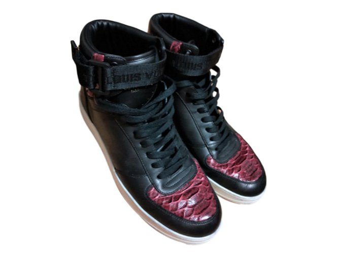 508d3002729 Louis Vuitton Leather high top lace up sneakers Sneakers Leather Black ref. 84131
