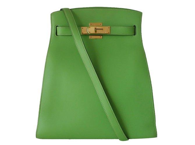 Sacs à main Hermès Kelly sport Cuir Vert ref.84501
