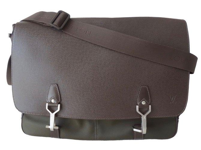Cabas Louis Vuitton BESACE  DERSOU Cuir,Toile Marron,Kaki ref.84503
