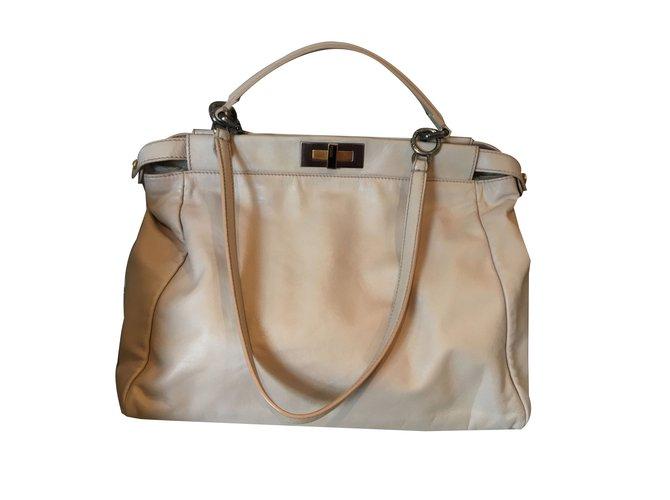 15989e625c71 Fendi Handbag Handbags Leather Beige ref.84665 - Joli Closet