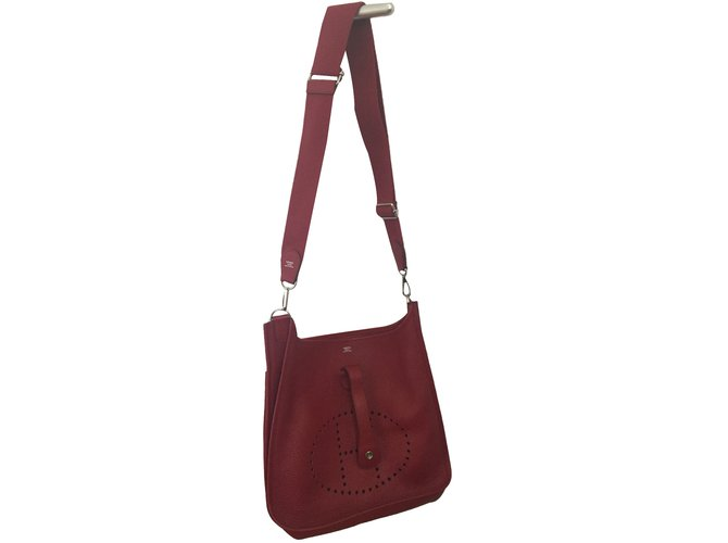 a0f25f7ff281 Hermès Evelyne III 33 GM Handbags Leather Red ref.84705 - Joli Closet