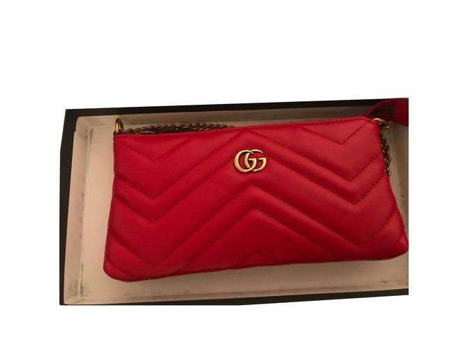 1535fec7ae9fff Gucci Marmont Clutch bags Leather Red ref.84742 - Joli Closet