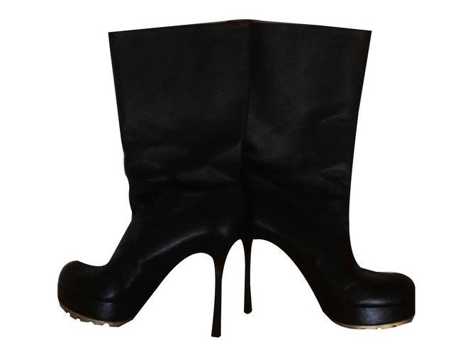 7adec29bb8da Yves Saint Laurent boots Ankle Boots Leather Black ref.84931 - Joli ...