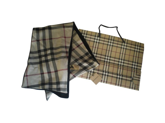 Foulards Burberry echarpe cachemire coton check beige noir Coton,Cachemire Noir,Beige ref.91215
