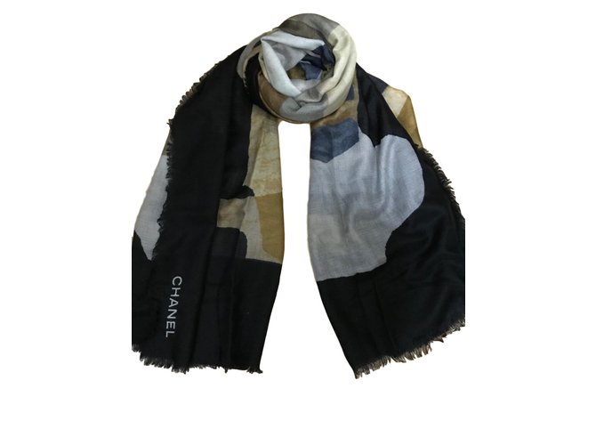 Chanel Cashmere stole CHANEL Scarves Cashmere Black ref.85112