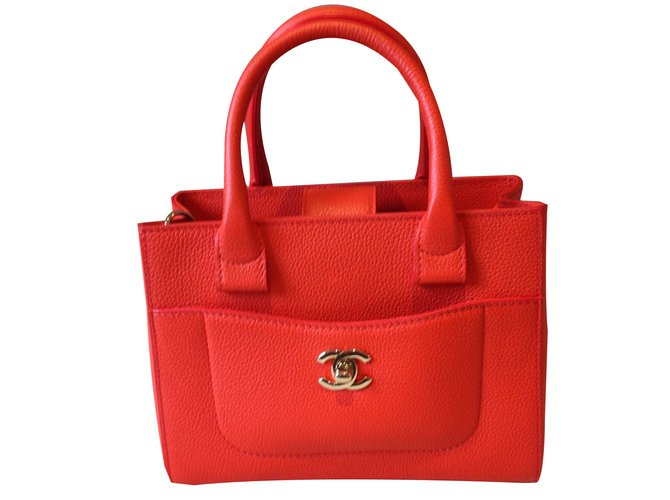 985826ceecd4 Chanel neo executive small model Handbags Leather Coral ref.85816 ...