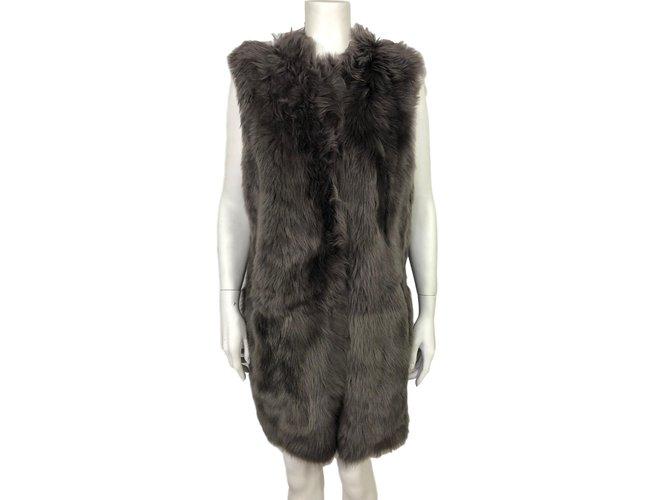Yves Salomon Sleeveless coat Knitwear Lambskin Grey ref.86178